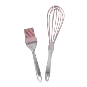 Daiso-kitchen-pink-whisk-and-butter-spreader